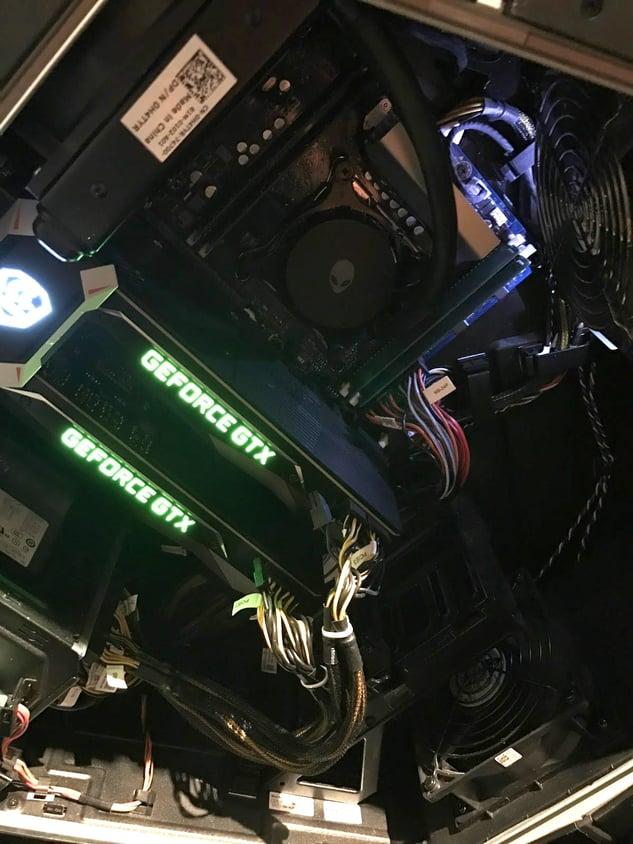 Zwei GeForce GTX-Karten im Computergehäuse